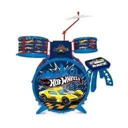 Mini conjunto de bateria infantil Hot Wheels R$ 120,00