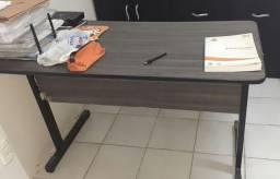 Mesa De Escritório Pé Metálico C/ Gaveteiro