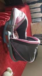Vende-se carrinho de bebê junto com o BB conforto