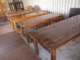 Mesas de madeira maciça grandes com 6,8 e 10 cadeiras