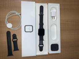 Apple Watch Series 4 44mm Space Gray 3x sem juros