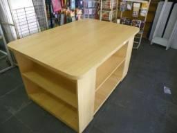 Mesa para expor produtos