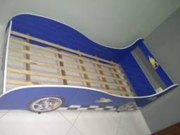 Cama carro infantil novinha com colchão no plástico,  450,00