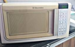 Micro-ondas Electrolux - 23L