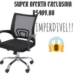 Cadeira giratória de base cromada