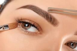 Design de sobrancelhas e esteticista