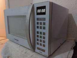 VENDO MICRO-ONDAS PANASONIC 31 LITROS BEM CONSERVADO  R$250