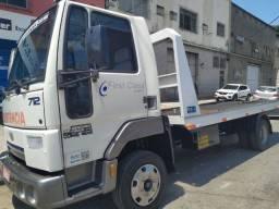 Guincho Plataforma Ford Cargo 712 / 2010