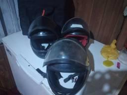Vendo esses 3 capacete cada um por 30 reais