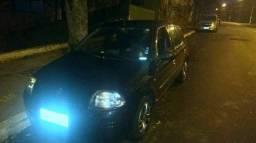 Clio Hatch Preto