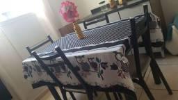 Vendo mesa de mármore em perfeito estado de 4 cadeiras