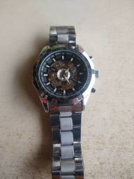 Relógio Magno