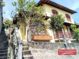 Casa no Quitandinha com 2 quartos(1suíte) + apartamento com quarto e sala