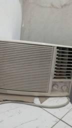 Ar condicionado 8500btu gelando mt perfeito aceito oferta