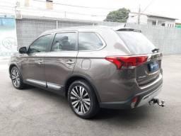 OUTLANDER 2019/2019 2.2 MIVEC DI-D DIESEL HPE-S AWD AUTOMÁTICO
