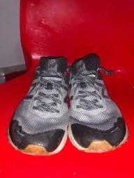 Tênis Nike New Balance 40 usado