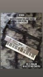 Sintetizador Roland RS-50