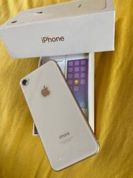 IPhone 8, 64GB. Cor: Gold Rose. Aparelho usado, mas nenhum, nenhum detalhe !!!