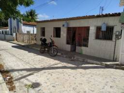Casa com saída para três ruas em Ponta de Pedras
