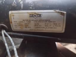 Motor para Poço