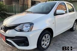 Toyota Etios 2019 Completo
