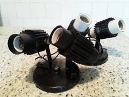 Spot articulado aletado para 2 lâmpadas - branco e preto
