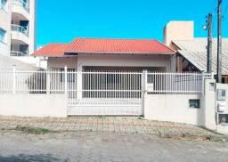 Casa com 3 dormitórios à venda, 120 m² por R$ 800.000,00 - Bombas - Bombinhas/SC