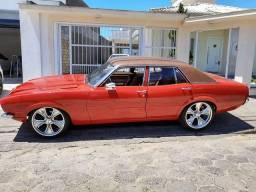 Ford Maverick completo 4 portas 1977 com mecânica Mustang V6