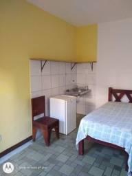 Alugo Kitnet em Itapuã R$ 750,00  (Água e Luz e Taxas incluídas) 02 Térreo