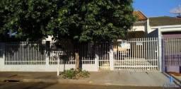 Casa para alugar com 3 dormitórios em Jd da glória, Maringá cod: *15