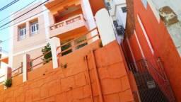 Casa no centro com 4 quartos. comercial ou residêncial