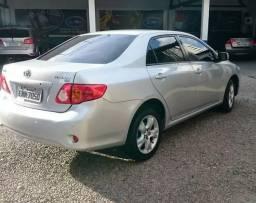 Toyota Corolla Sedan GLi 1.8 16V (flex) (aut) / 2010 / Prata - 2011