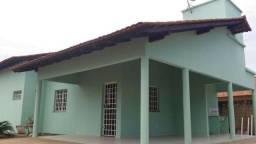 Aluga-se casa com 3 quartos bairro Cinturão Verde