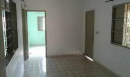 3 Casas em lote de 480 m² no centro de Gurupi- Baixou preço para vender rárpido!