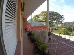 Ampla casa com 4 quartos sendo 1 suíte em Araras. Teresópolis- RJ.