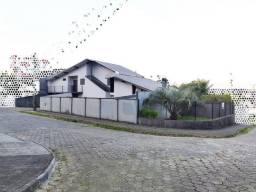 Residência no Costa e Silva, 250m², 3 dorm e piscina