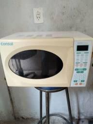 Vendo microonda  18 litros foncionando beleza aquecendo  otimo sem ferrugem