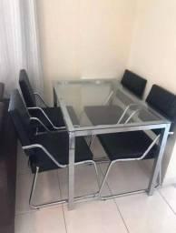 Mesa De Jantar De Ferro Com Tampo De Vidro E 4 Cadeiras