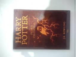 Livro Harry Potter e a pedra filosofal Capa Dura