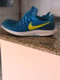 Vendo tênis Nike zoom original em ótimo estado de conservação
