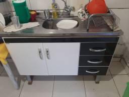 Balcão de cozinha com pia