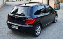 Peugeot 307 Presence 1.6 com Teto e Multimídia