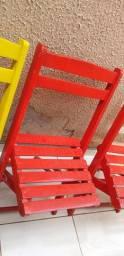 Vendo 5 cadeiras de madeira (Madeira Pura)
