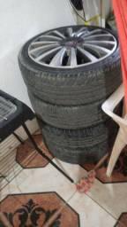 Vendo um jogo de aro 17 pneu novo  .205.40 17