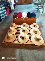 Chapéu de palha floral 35,00
