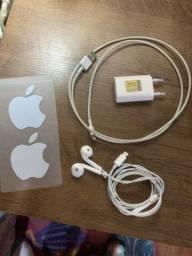 Fone e carregador Original Apple