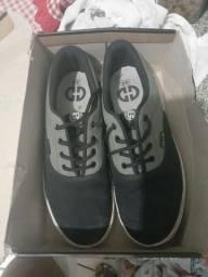 Sapato semi-novo número 44