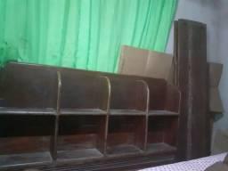 Cama de madeira *