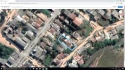 Vendo terreno com 3 casas de aluguel R$ 130.000,00
