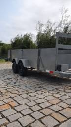 Carretinha dois quadriciculos dois eixos com carroceria ano 2013